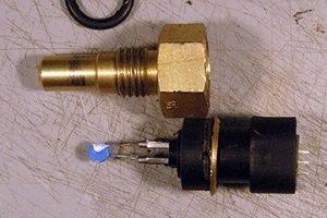 Для измерения температуры лучше использовать терморезистор, который представляет собой прибор, у которого при изменении температуры меняется электрическое сопротивление