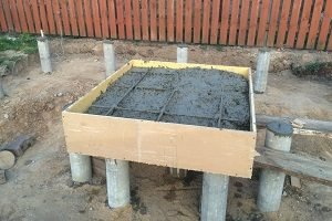 zalivka-fundamenta-pod-pech