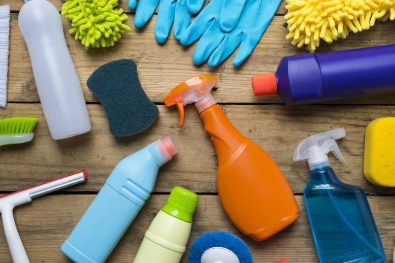 На каких средствах для уборки можно смело экономить