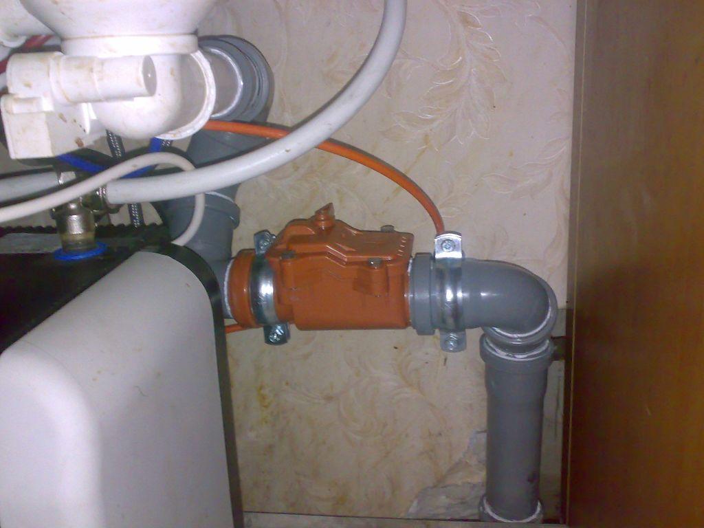 Обратный клапан для предотвращения аварий в канализации