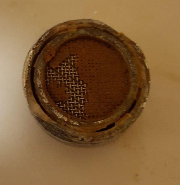 Ржавый фильтр крана