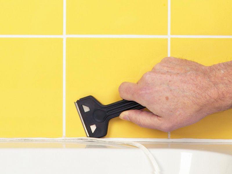 Чем отодрать герметик от ванны