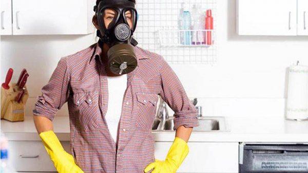 При первом появлении неприятного запаха, необходимо предпринять меры