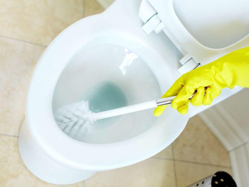 Как почистить унитаз от известкового налёта, мочевого камня и ржавчины