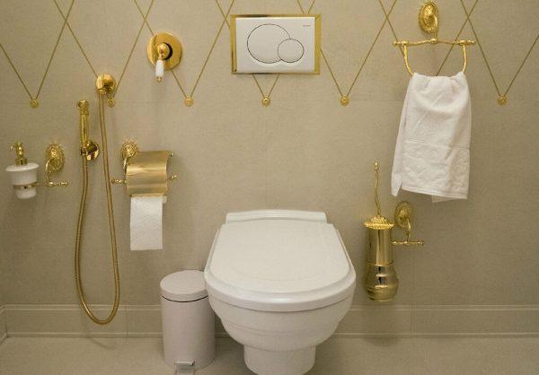 Гигиенический душ и подвесной унитаз