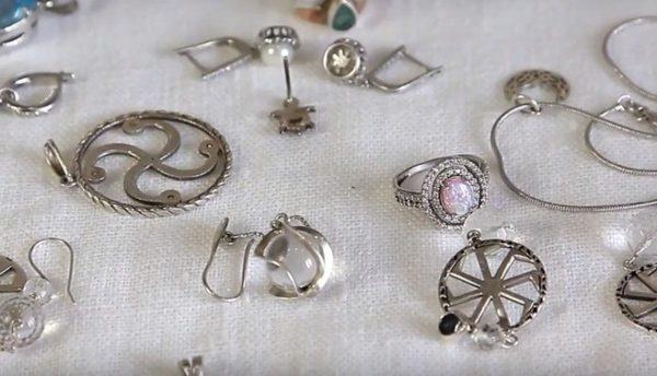 Серьги и кольца из серебра