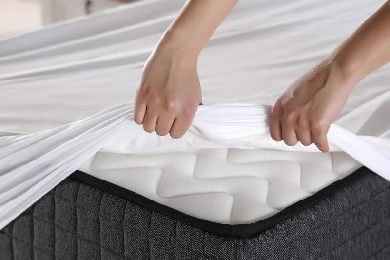 Теперь всегда буду так делать: как почистить матрас в домашних условиях?