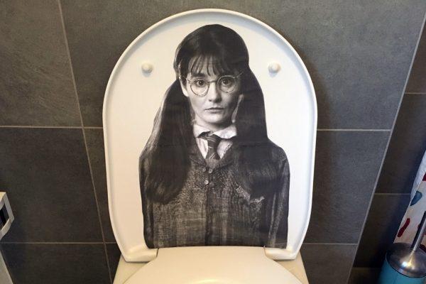 туалет на хэллоуин