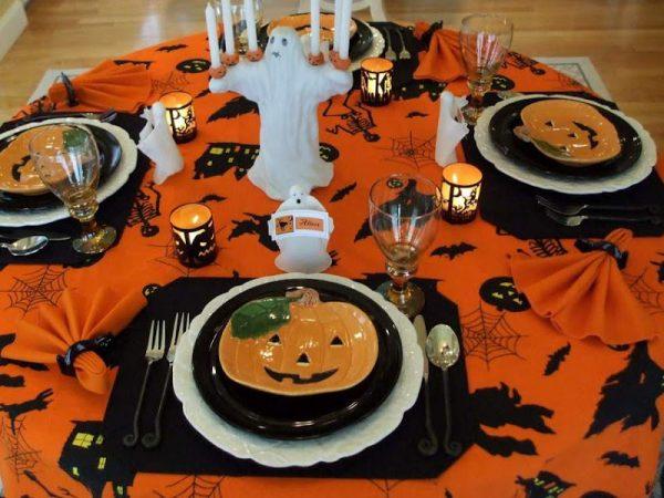 стол на хэллоуин