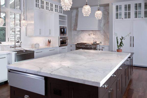 Полностью белая кухня