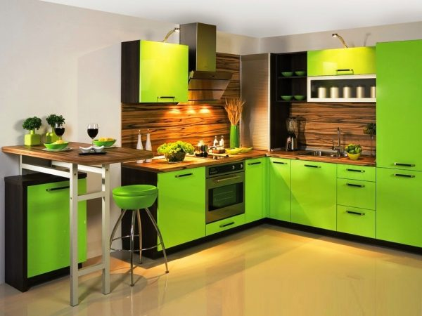 Коричневый и ярко-зелёный
